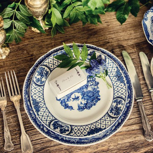 blue-and-white-plate-hire